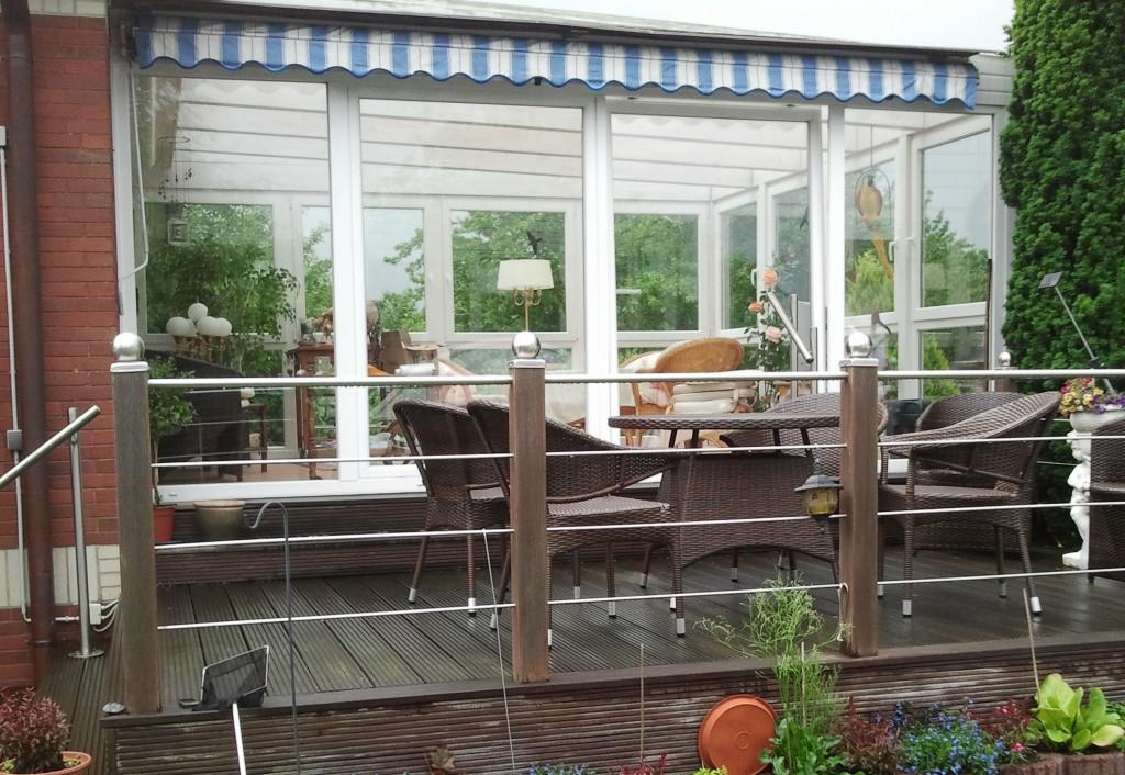 wintergarten unter balkon bauen innenr ume und m bel ideen. Black Bedroom Furniture Sets. Home Design Ideas